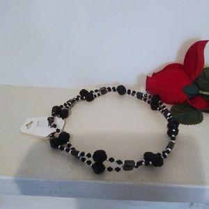 Versatile magnetic black necklace